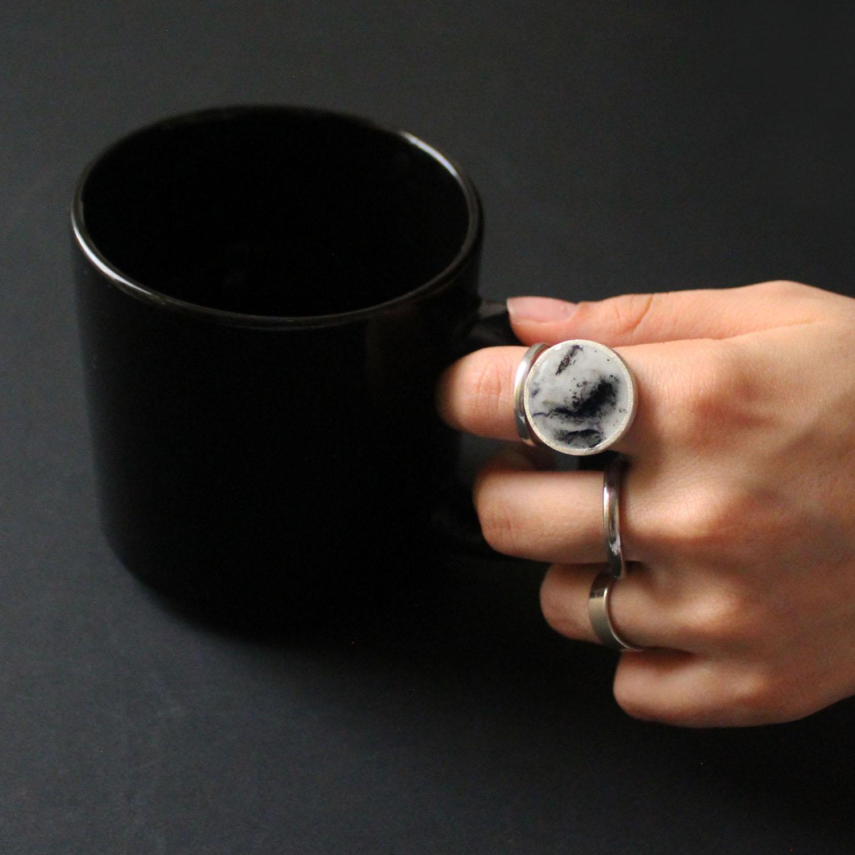 انگشتر نقره و رزین زنانه مدل دایره